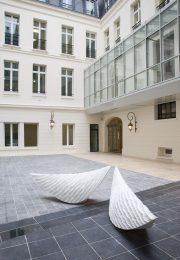 les-ailes-de-l-ange-benoit-luyckx-2007-avenue-hoche-paris
